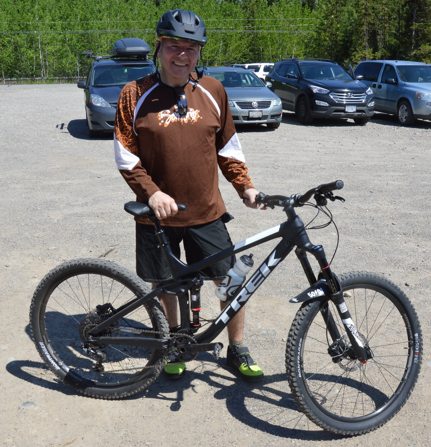 Conway Fisher with his Trek mountain bike was the lucky 1000th registrant in the RCMP's bike registry program. RCMP photo