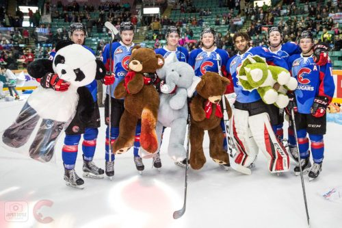 Royals spoil Teddy Bear toss for Cougars