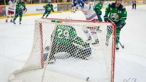 Spruce Kings hammer Eagles to open Round 2