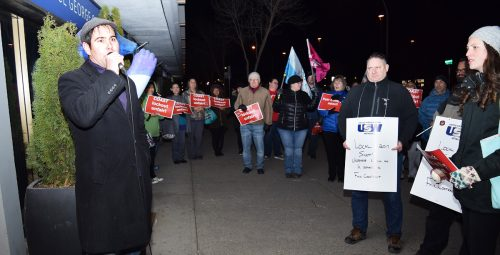 Coast Hotel workers rally ahead of lockout