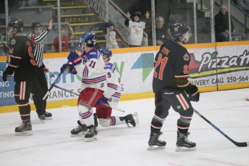 Manz's hat trick leads Spruce Kings past Clippers