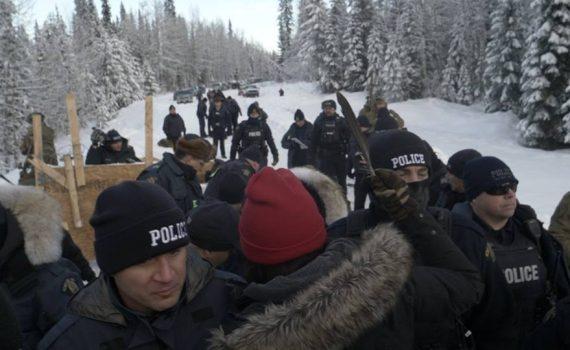 Police move in to dismantle Gitdumt'en camp blockade south of Houston. Unist'ot'en Facebook photo